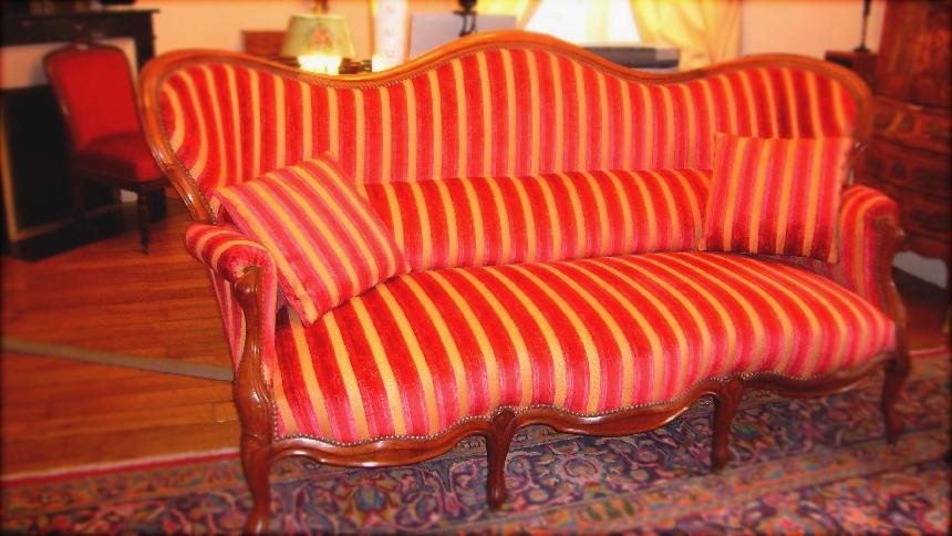 Réfection canapé en cuir ou en tissu, moderne ou ancien, Decors et maison Orleans